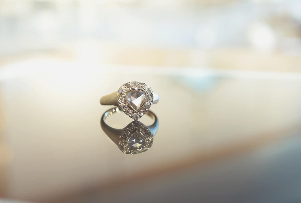 ペアシェイプローズカットダイヤモンドリング
